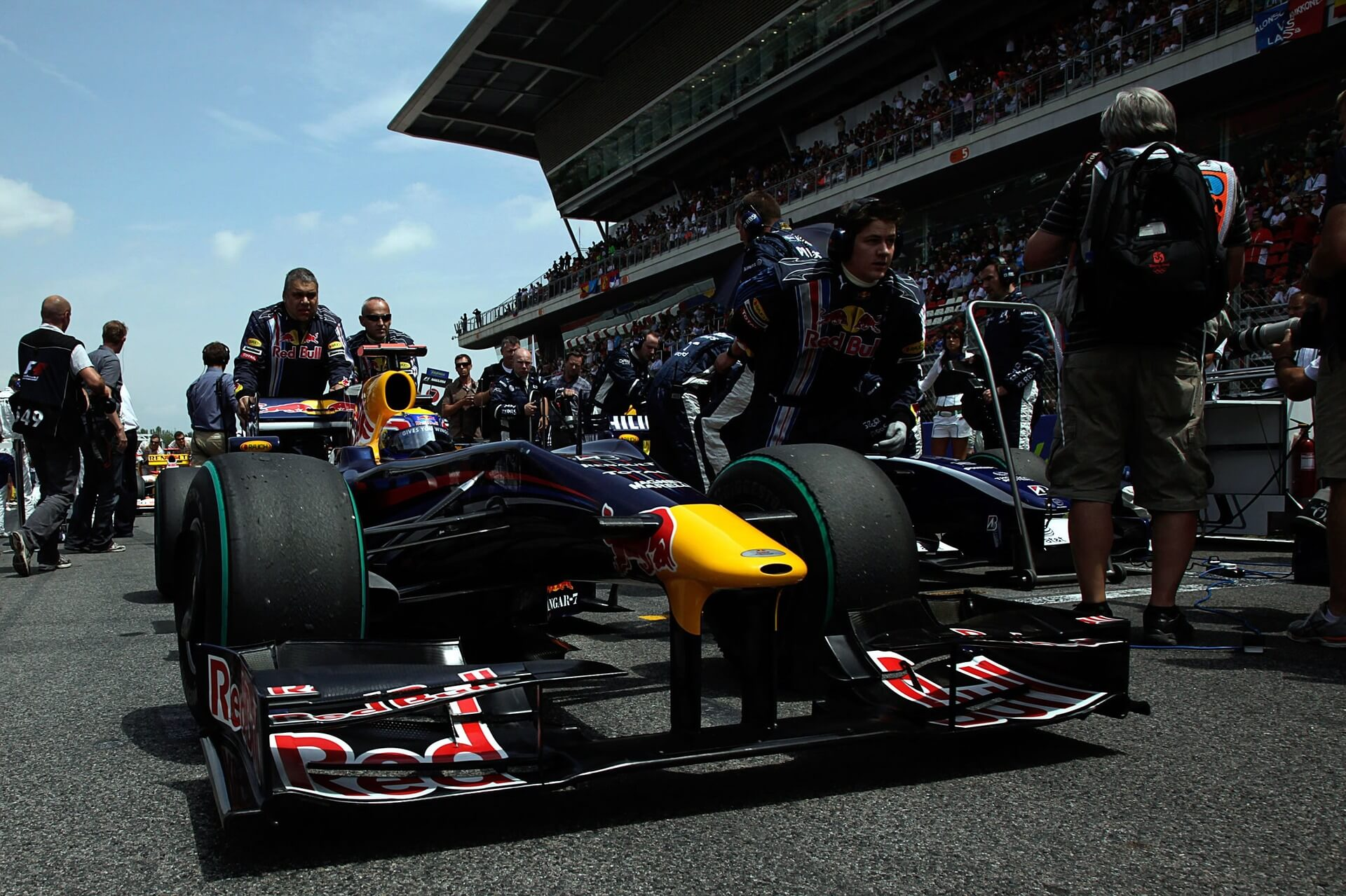 TroopTravel - Optimizing multi-origin group travel for your formula one experience